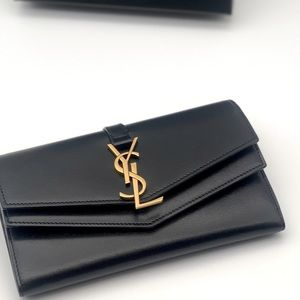 Gorges 24 Hours SALE YSL clutch  - wallet 🔥🔥🔥🔥